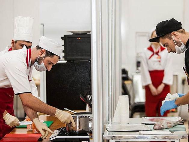 В Челябинске выберут лучших работников отелей и ресторанов