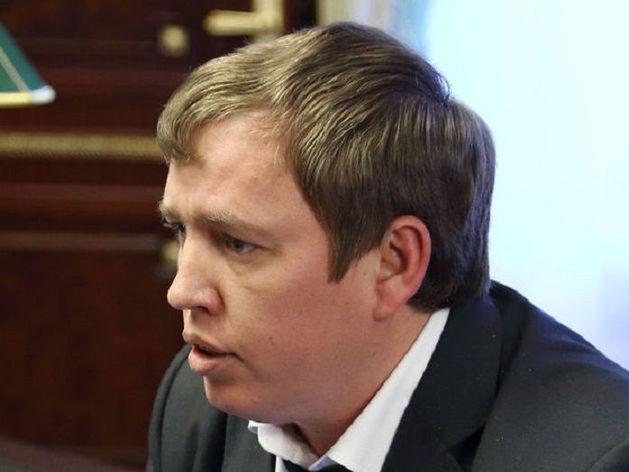 Заказ похоронного бизнеса? Алексея Севастьянова обязали снести туалет на кладбище