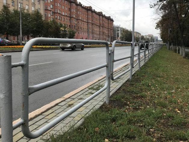 Кто заинтересован в установке серых заборов в Челябинске