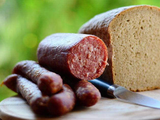 В магазинах Челябинской области продолжают искать колбасу с чумой
