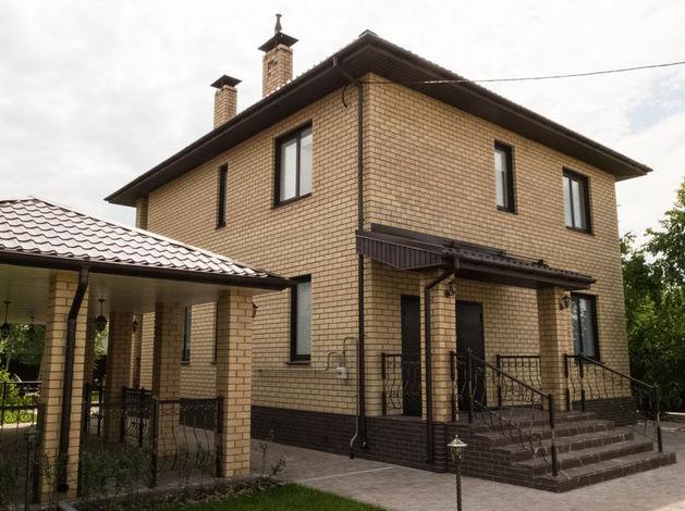 Живи в пригороде: в «Белых росах» продают новые дома с мебелью и благоустроенным участком