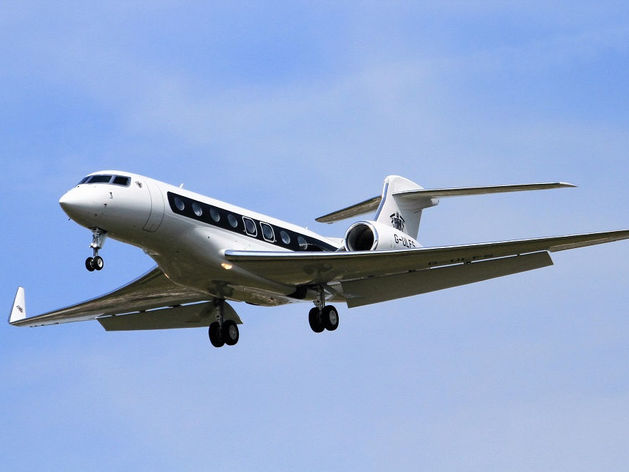 Тина Канделаки назвала самолёт Виктора Рашникова одним из самых дорогих в России