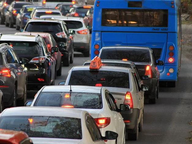 «Семья обречена на голод». В Челябинске 200 таксистов объявили бойкот на три дня