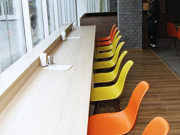 «Почему эта новость — позитивная?» В Челябинске закрывается сеть столовых