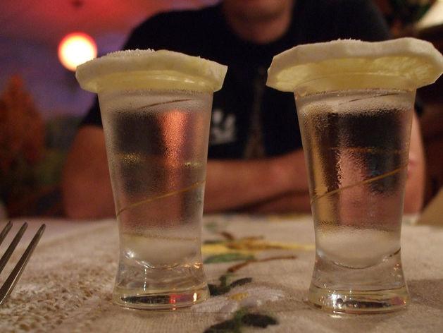 На Южном Урале три женщины заняли чужой завод и стали выпускать алкоголь