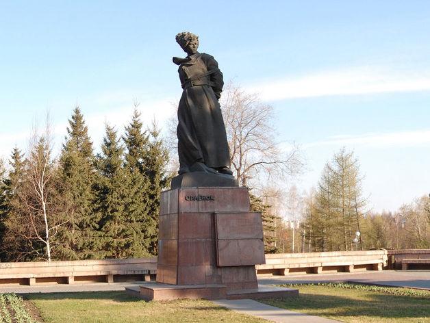Челябинская компания займется ремонтом памятника «Орленку» на Алом поле