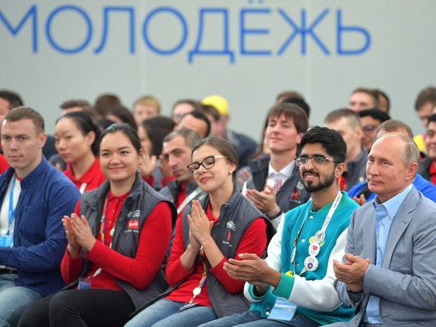 Продавцы и грузчики: кем хочет работать молодёжь Челябинска