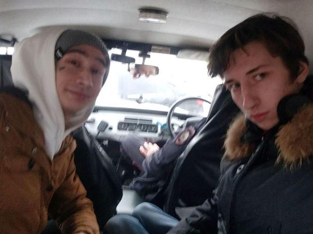 Снимали ЧМК на дрон: в Челябинске задержали активистов штаба Навального