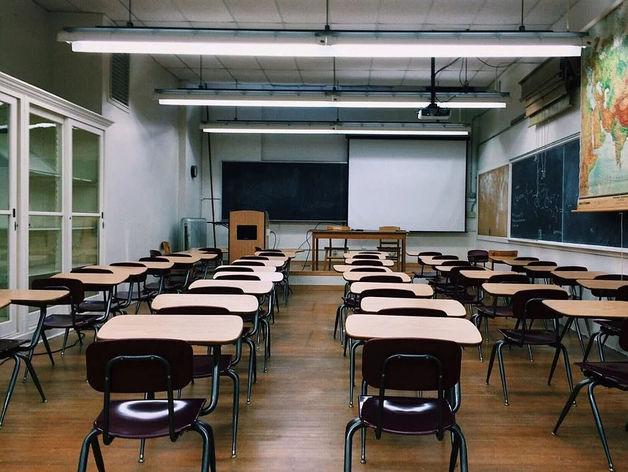 В Челябинске продлили карантин в школах. Когда окончатся «каникулы»