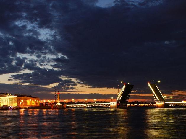 Февраль – время выгодного переезда в Санкт-Петербург