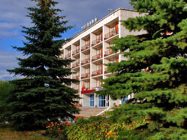 Известная гостиница в Челябинской области массово сократила сотрудников
