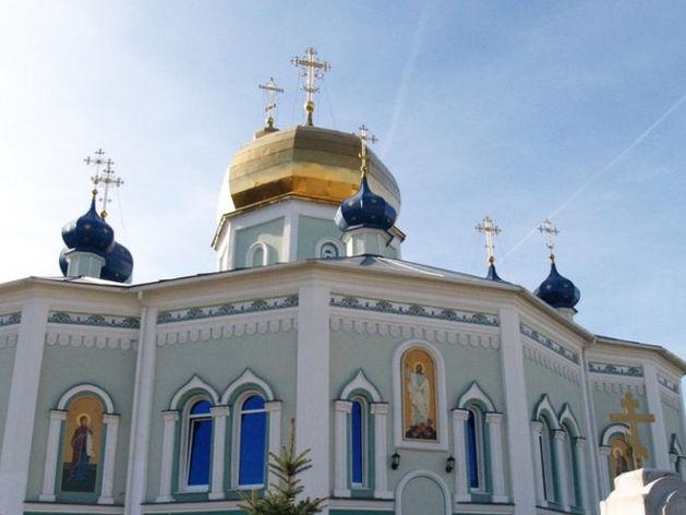 Сотрудника Челябинской епархии и его беременную жену госпитализировали с пневмонией