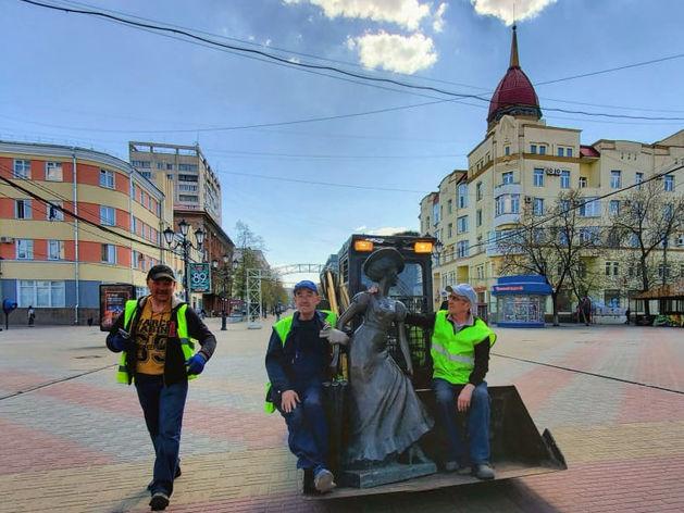 На Кировке демонтируют скульптуры ради озеленения