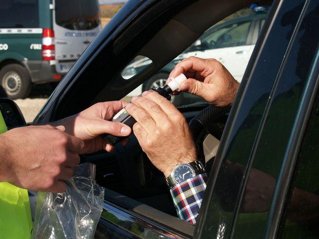 Проверки водителей на алкоголизм и наркозависимость отложили на полгода