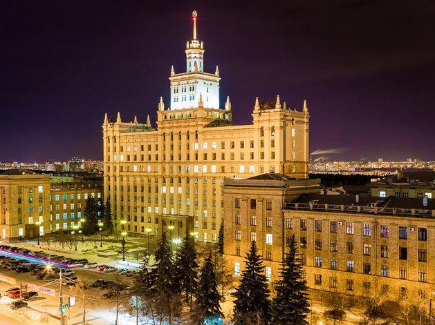 В Челябинске в сквере у ЮУрГУ могут построить стелу