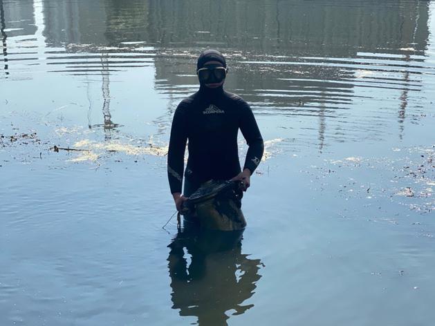 В реке Миасс нашли 100-летний самовар