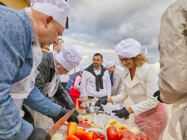 Готовим вкусненькое: кто и чем будет кормить гостей Business Residence?
