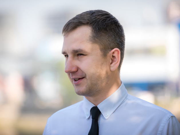 Вице-мэр Александр Егоров – о «раззаборивании», песчаном пляже у «Родины» и аукционах