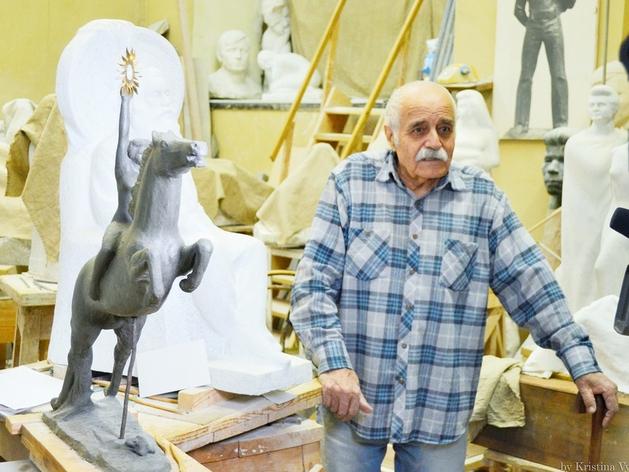 Автору главных скульптур Челябинска присваивают звание «Почётного гражданина города»