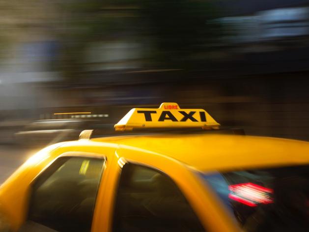 Эксперты: молодёжь Челябинска ищет подработку в такси
