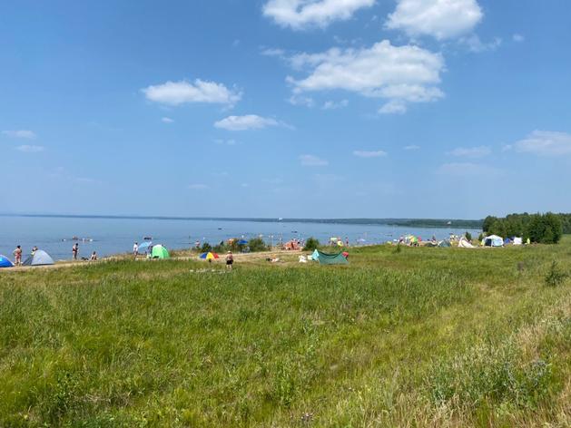 От владельцев «коровьего» пляжа на озере Увильды требуют восстановить почву