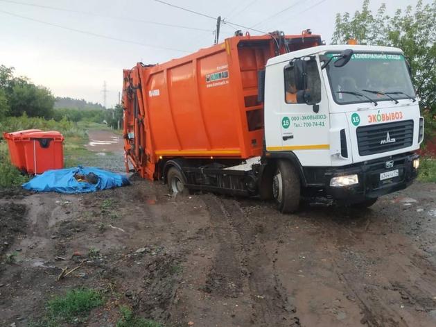 В сельских районах Южного Урала из-за бездорожья возникла угроза мусорного коллапса
