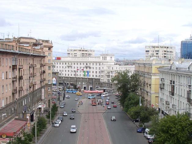 К концу недели на площади Революции сделают наземный пешеходный переход
