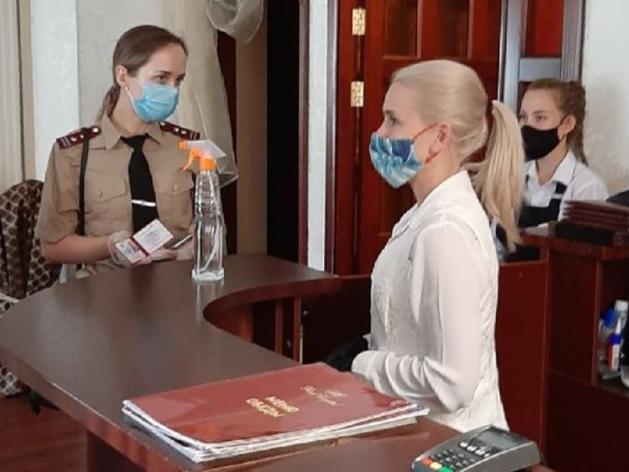 В Челябинске закрывают предприятия за нарушение масочного режима