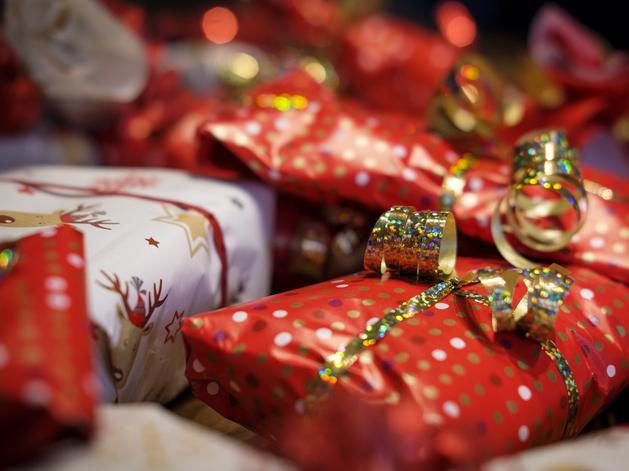 Челябинцы рассказали, сколько денег собираются потратить во время новогодних праздников