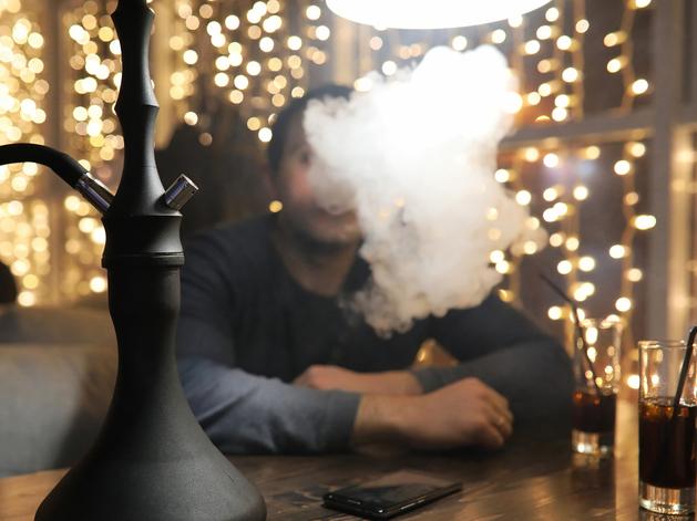 В условиях пандемии в Челябинске продолжают закрывать бары и клубы