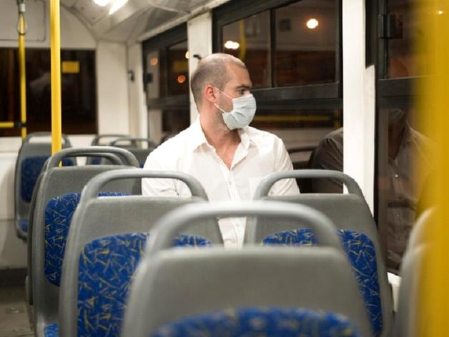 В Челябинске водители маршруток продолжают ездить без масок