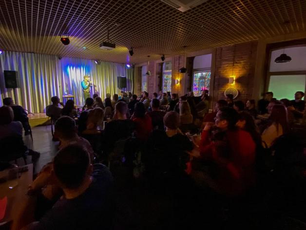 В Челябинске накажут бар, где без ведома властей выступил комик Михаил Шац