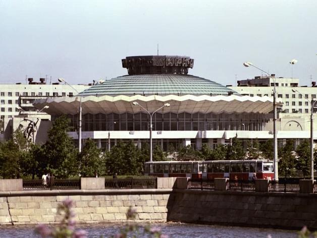 Зданию челябинского цирка в 2021 году вернут исторический облик