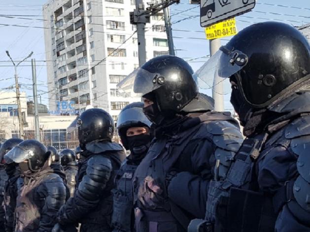 Отобрали телефоны, арест на семь суток: на митинге в Челябинске задержали 171 человека