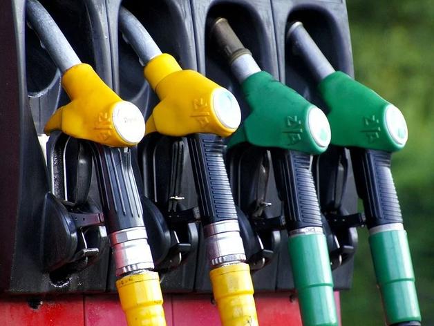 В Челябинской области — самый дешевый бензин в России. Но не самый доступный