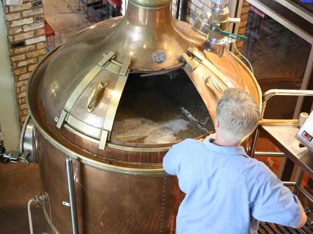 Маркировка добралась до пива: челябинские пивовары не готовы платить за нее $300 тыс.