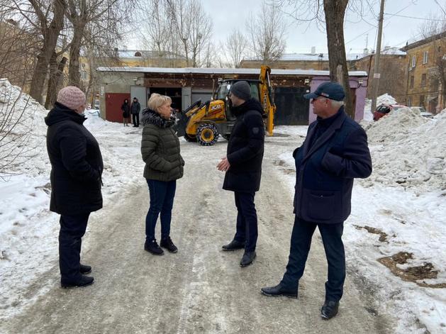 Главы районов в Челябинске будут проверять уборку снега пешком