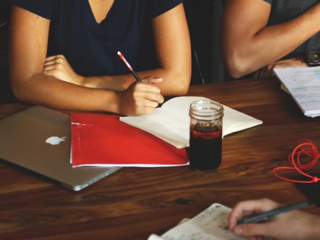 «С уважением к вам и вашему бизнесу!»: какие фразы не стоит говорить партнерам и коллегам