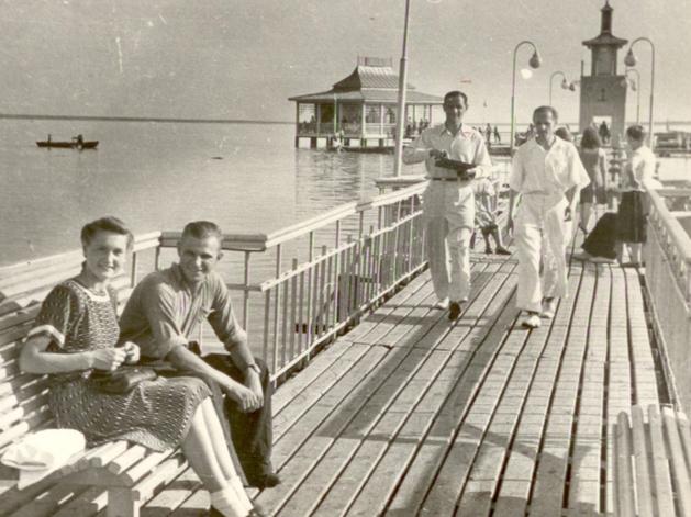«Верните мой 1948»: как собираются восстановить ресторан на воде озера Смолино