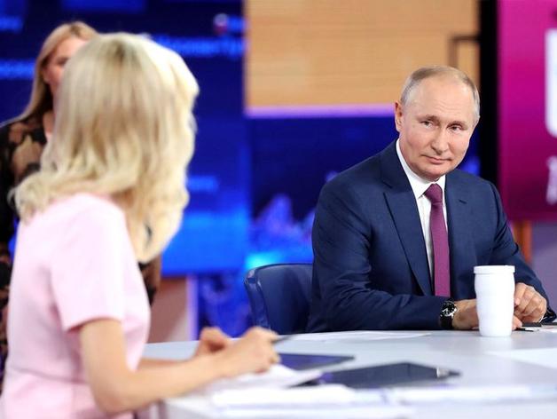 Задавшая вопрос Путину челябинка обвинила власти в цензуре. Ей позвонил Текслер