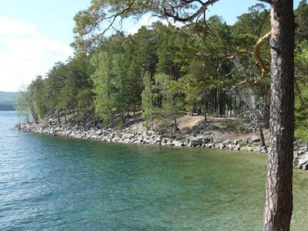 На озере Тургояк пройдет внеплановая проверка воды после жалоб туристов на сыпь