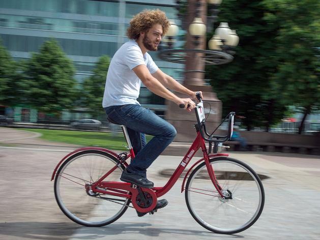 Илья Варламов обрушился с критикой на челябинские велодорожки